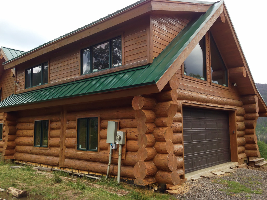 Sashco Transformation log and timber stain for log home